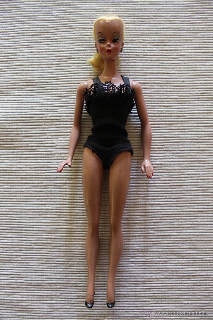 Modelo de la primera muñeca Barbie