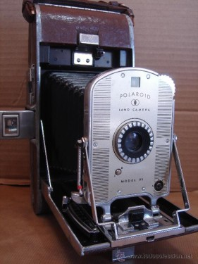 Polaroid Land Camera 85